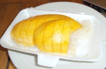 sticky rice with mango ... das Beste, was es hier an Nachtisch gibt :-) ... nix für die Diät