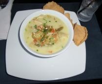 der Klassiker Tom Yum Gai (Suppe mit Hühnchen, Zitronengras und Kokosmilch)