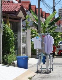 das muss man ausnutzen - Wäschetrocknen, das geht auch auf der Straße