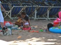 am Wochenende genießen die Thailänder auch ihren Strand