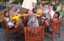 """letztes Wochenende: gibt es eine kleine Hochzeitsfeier von neuen Freunden - wir feiern auf der 250 Kilomter entfernten Insel """"Koh Chang"""""""