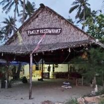 am Strand muss man die richtigen Restaurants erkennen...
