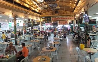 """ein sog. """"Foodstall"""" in Chinatown - da gibt es authentisches Essen - super lecker ... und günstig"""