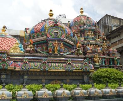 hinduistischer Tempel - schön bunt