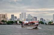 mit der Fähre unterwegs auf dem Chao Phraya