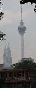 die beiden großen der Stadt: Funkturm und Petronas Towers