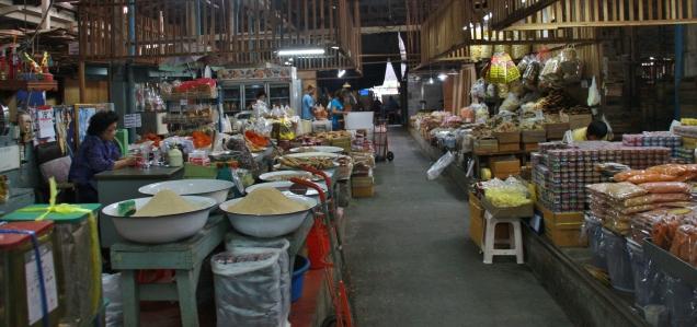 Trockenfisch-Großmarkt, betörend für die Nase