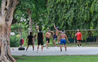 """Thailändischer Nationalsport """"Volleyball Soccer"""" - wirklich herausfordernd"""
