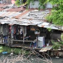 man konnte sich so auch mal am Rande von Bangkok umsehen, manchmal etwas wüst