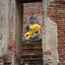 zwischendrin sitzt natürlich immer mal der Buddha und beobachtet, was die Besucher so tun