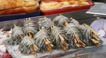 Fisch am Stick (nichts, was die Thai nicht auf einen Stick aufbringen würden)