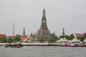 Wat Arun vom Fluss aus