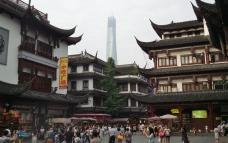 Shanghai Tower, mit seinen 632m quasi von überall zu sehen
