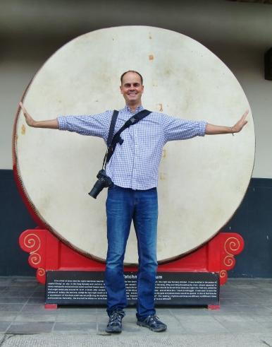 Ist Carsten klein oder ist die Drum groß?