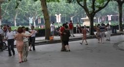 oder Outdoor-Tanzen (übrigens bei über 30°C, das fällt hier nicht auf)