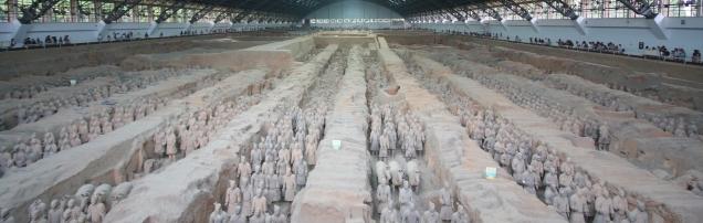 Eine beachtliche Armee in einer beachtlichen Halle