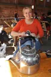 Teekränzchen! ...unser erster Besuch in einem echten Teehaus - da haben die Chinesen aber geguckt, als wir Langnasen dort auftauchten - das Durchschnittsalter dort war recht hoch - wohl ein Platz zum Zeitvertreib für die Rentner