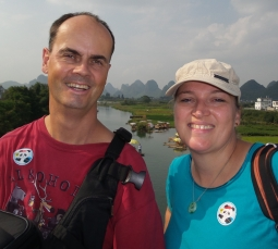 """Heike und Carsten - Ausflug in die Karstlandschaft mit """"Bamboo-Boat trip"""""""