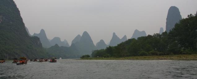 die malerische Karstlandschaft im Bereich Guilin