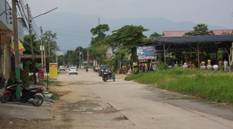 """Chiang Mai ist beschaulich - da ist man schnell """"draußen aus der Stadt"""" - wie angenehm nach den Bettenburgen in China!"""