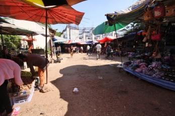 """Der lokale """"Morning Markt"""" - nicht für Jedermann geeignet - recht wild dort"""