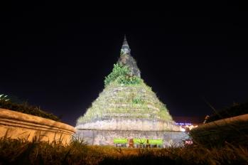 Wat Dham - etwas nachgeholfen