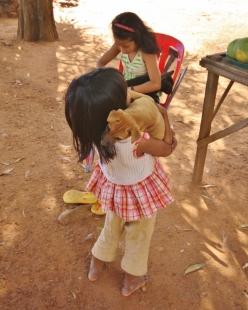 Kinder und Hunde (manchmal bekommen auch die menschlichen Beobachter Sorgenfalten - aber grundlos)