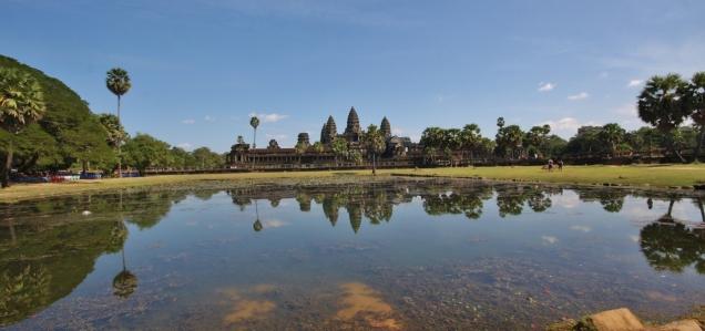 "Tempelanlage ""Angkor Wat"" - Blick über den ""Reflection Pond"""
