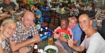 """Abendessen in Phuket Town beim """"echten Thailänder"""" - einfach super, wir hätten uns reinsetzen können"""