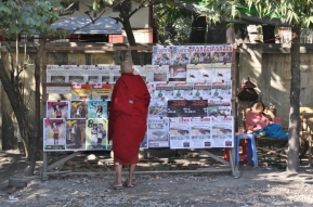 Mönche gehören überall zum Tagesgeschehen dazu