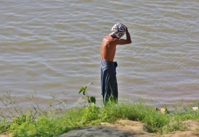 Haarewaschen am Irrawaddy