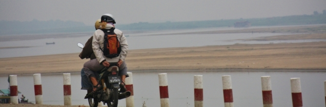 Ein Tag auf dem Sozius vom Moped - ein toller Trip außerhalb der Stadt