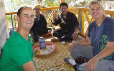 Gastfreundschaft ist selbstverständlich - eine Tasse grüner Tee steht für Besucher immer bereit
