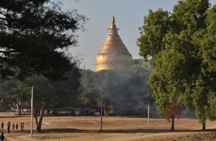 Der Erste Tempel, den wir in Bagan sehen ... es sollten noch viele kommen in den nächsten Tagen
