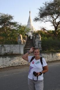 Backstein, Weiß, Gold: Die Farben aus dem die Stupas sind