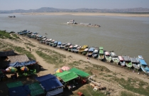 """ein kleiner """"Hafen"""" am Irrawaddy"""