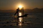 ein Fischer in der Abenddämmerung ... OK, das war gestellt... wir hatten dennoch viel Spaß beim Fotografieren :-)
