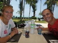 """Mittagessen """"am Strand"""", genauer gesagt im Holiday Inn"""