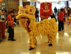"""Es ist """"Chinese New Year"""" (2 Wochen lang wird gefeiert ... und es läuft nicht viel... ist wie verlängertes Weihnachten)"""