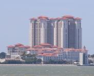 """interessant, wenn Chinesen Hochhäuser bauen, (so unsere Theorie) dann bekommen die immer ein """"Dach"""" - sieht gleich viel besser aus als normale Hochhäuser"""