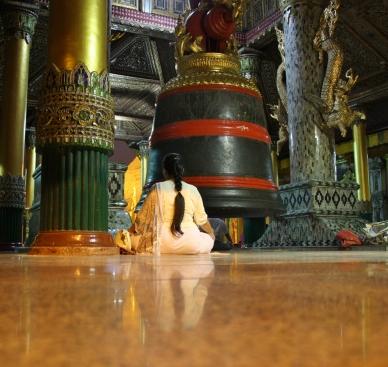 so mancher Einheimische suchte sich eine ruhige Ecke zum Meditieren