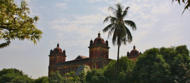 Z.T. tolle Gebäude aus der Kolonialzeit