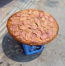 Fleisch, in der Sonne getrocknet, direkt an der Straße, gleich am Markt