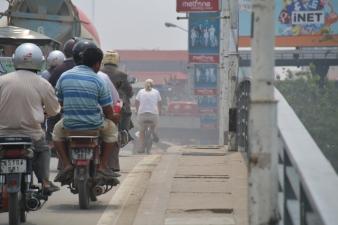 Wir sind mit dem Fahrrad unterwegs