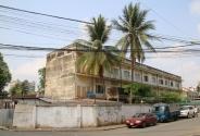 """Früher war es eine Schule - sieht ganz harmlos aus Tuol Sleng (""""S21"""")"""