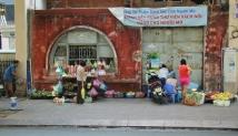 Straßen-Szene. Es dreht sich alles um das Verkaufen.