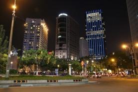 HCMC bei Nacht.