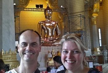 Buddhismus umgab uns fast 12 Monate lang.