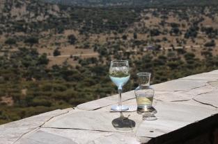 Da kommt ein Weinchen gelegen - sehr lecker! ... viel Wein aus Südafrika, das spricht für Qualität.