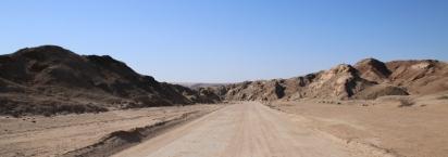 Rein in die Wüste.